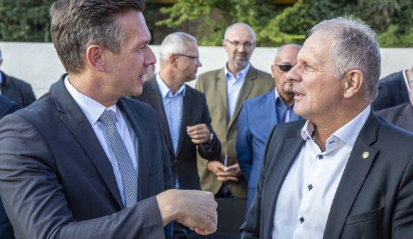 Dr. Farkas Ciprián városfejlesztési tanácsnok és Sipos Jenő,  az MLSZ szóvivője áttekintette a soproni foci helyzetét