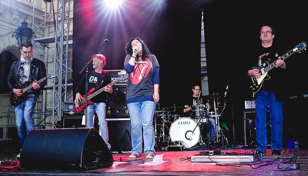 A zenekar stílusát a '70-es, '80-as évek rockzenéje határozza meg Fotó: Traxler Gábor