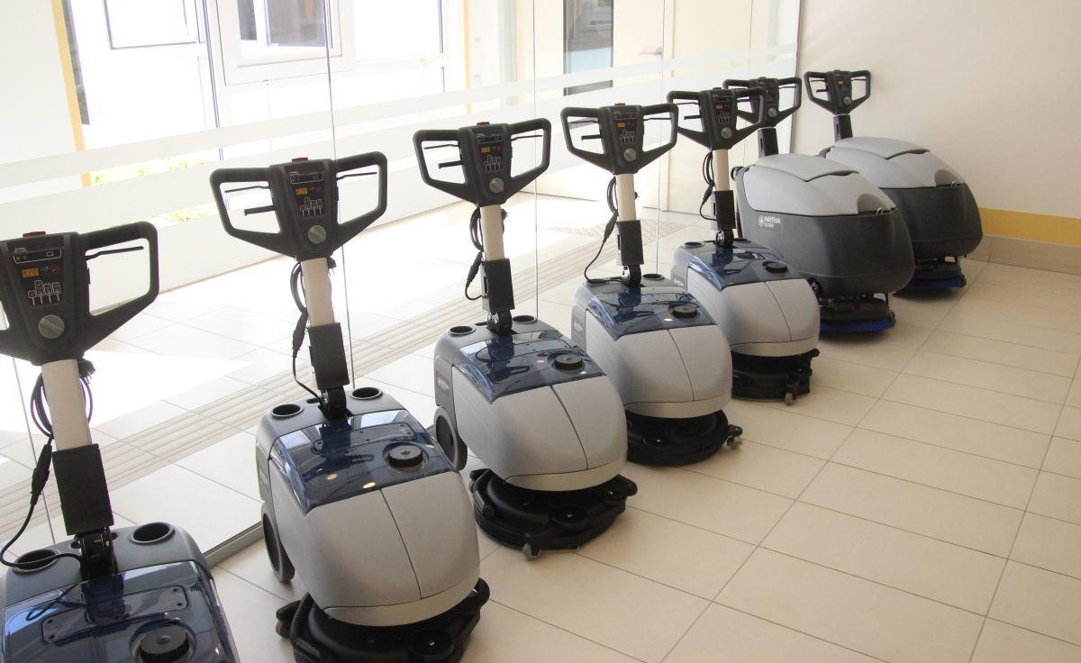 12 millió forint értékben modern takarítógépeket, eszközöket is vásároltak