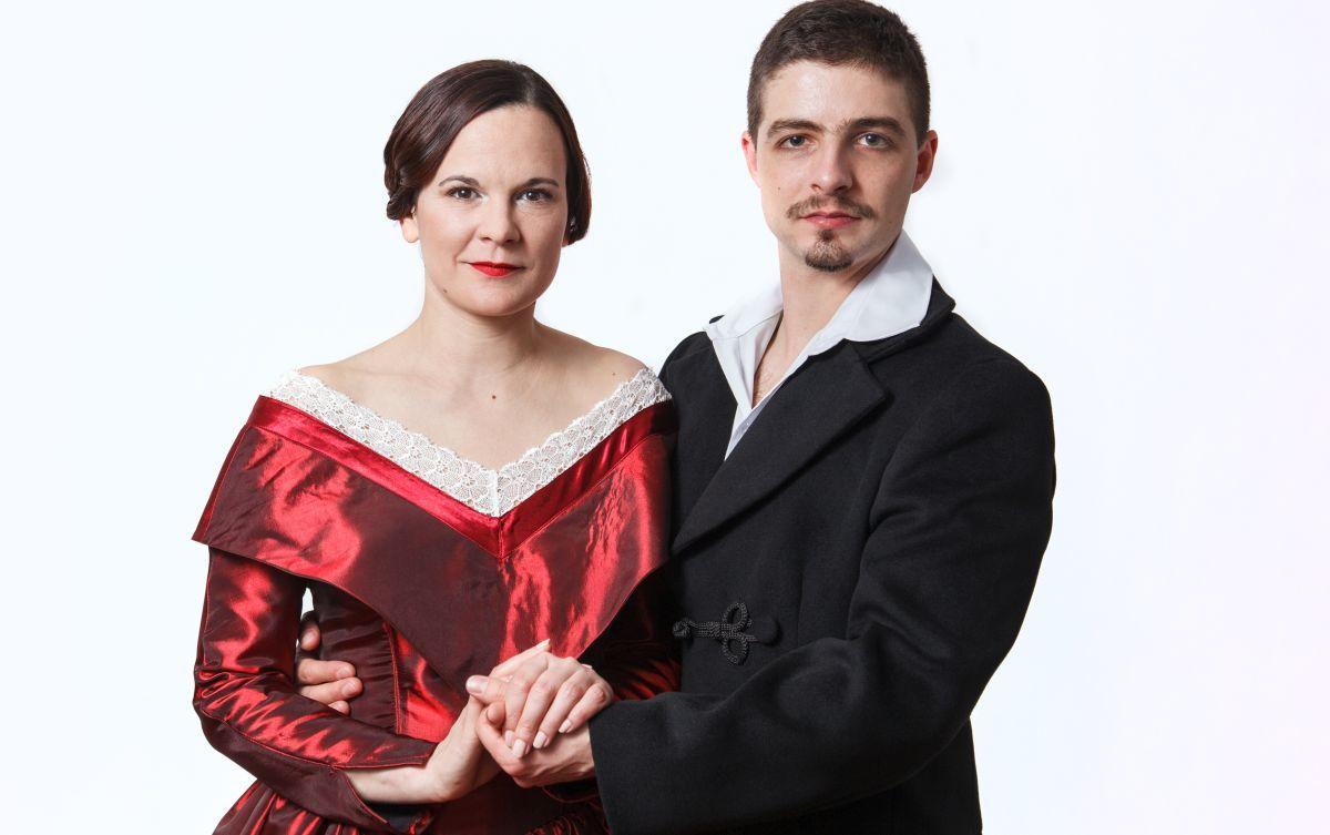 Molnár Anikó és Papp Attila, a Mindörökké Júlia című előadás két szereplője